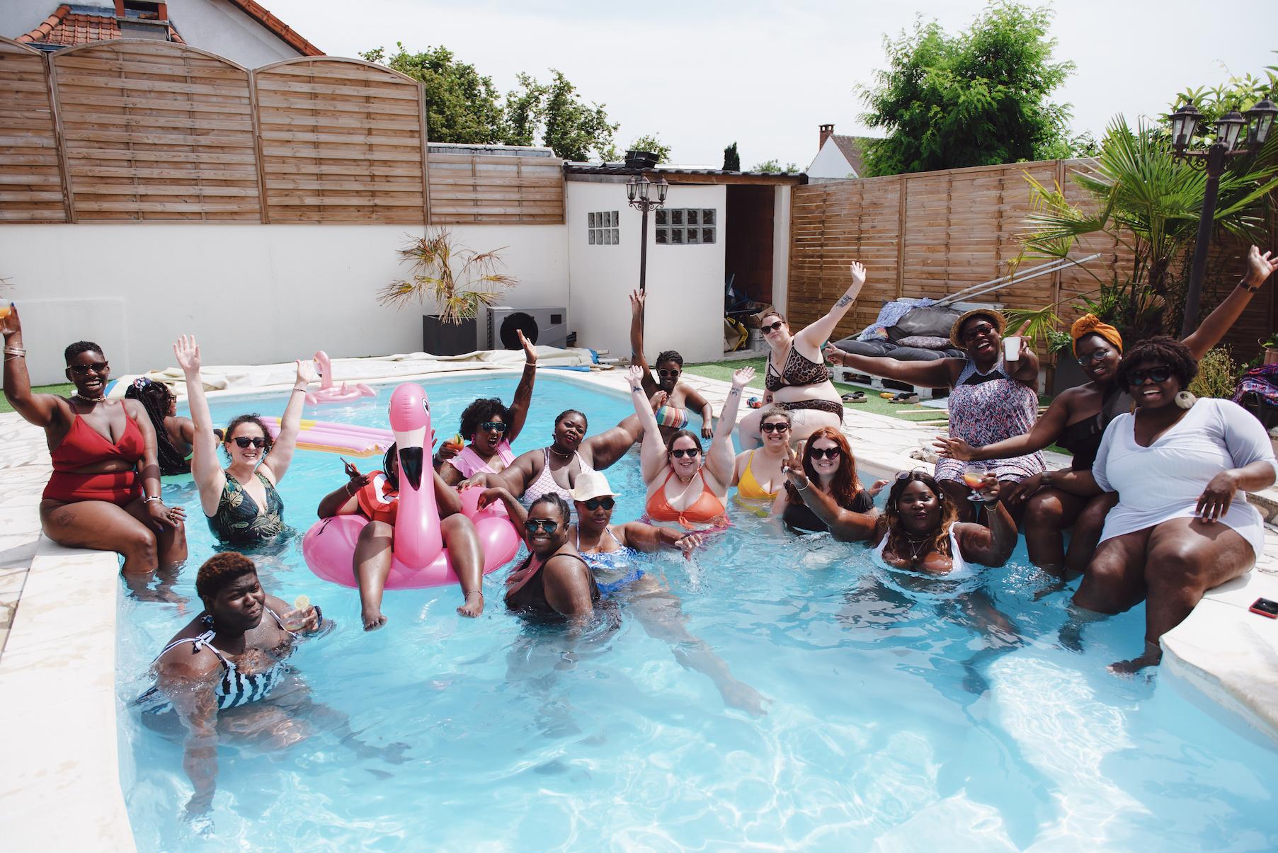 Comment j'ai organisé une pool party body positive
